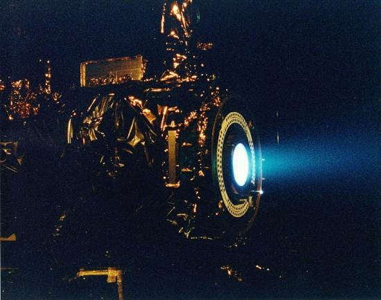 宇宙用原子炉の冷却材と発電方式...